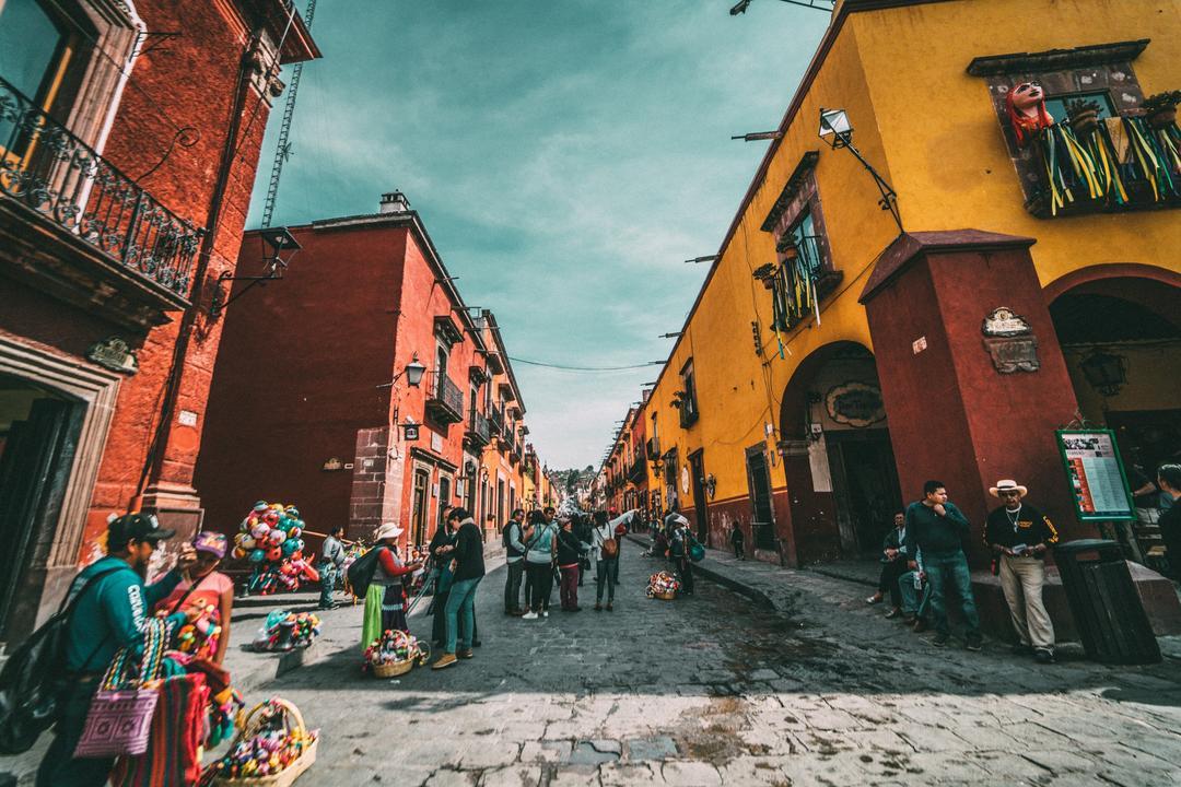 Quer aprender espanhol no intercâmbio? Conheça alguns destinos